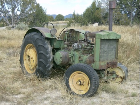 Old John Deere Tractor for parts